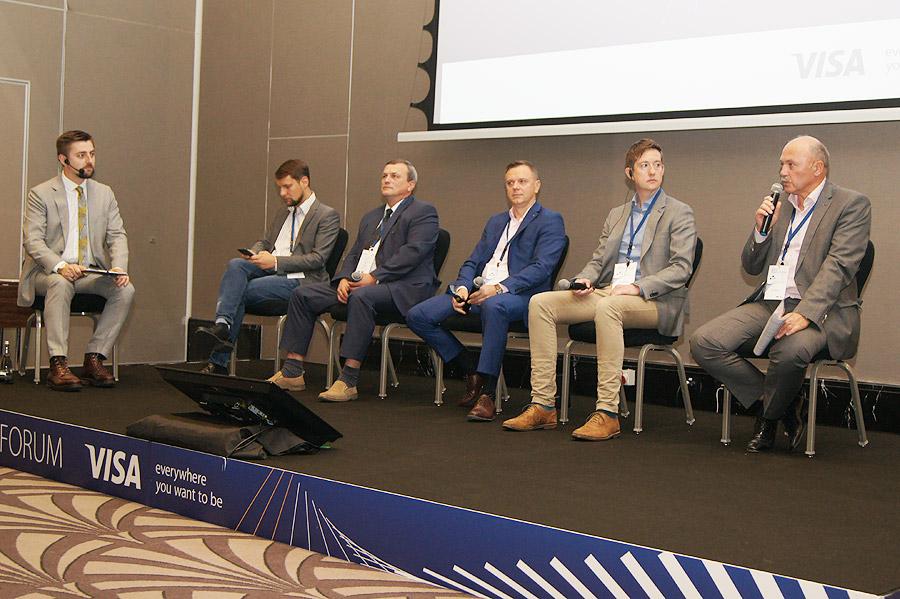 12NEWS: IBA :: Пилотный проект оплаты проезда банковской картой в наземном транспорте Минска планируется реализовать в ноябре 2018 года